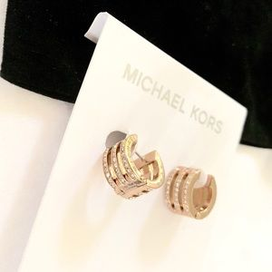 NWT authentic MK rose gold tone motif bar earrings